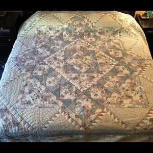 """Vintage Full/Queen Quilt 96"""" x 96"""" Great Condition"""